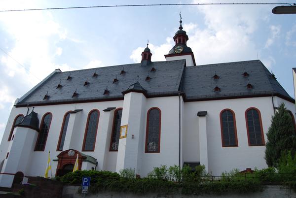 Winkel-Pfarrkirche-St-Walbu