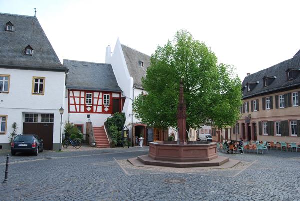 Oestrich-marktplatz2