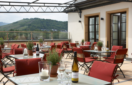 Weingut-Altenkirch-Terrasse